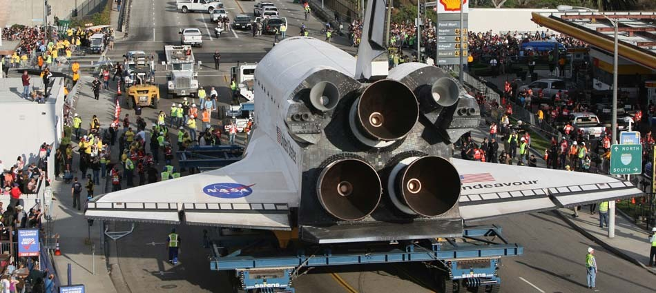 Time-lapse video: Endeavour's trip across L.A.